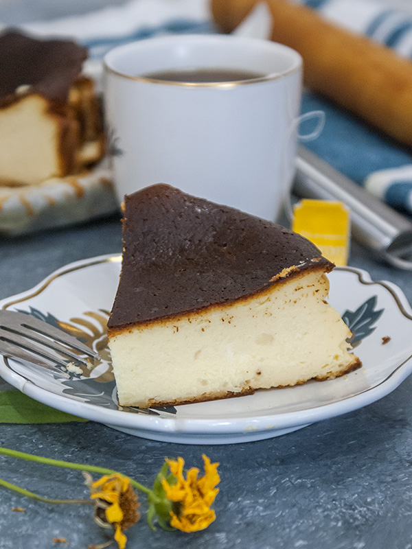cheesecake with tea on a cup
