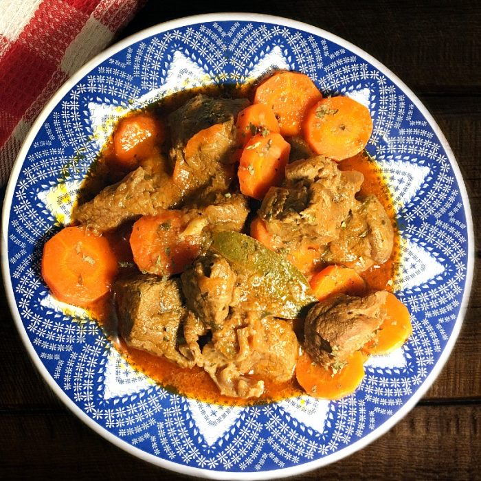 french beef and carrot stew with bay leaf and thyme