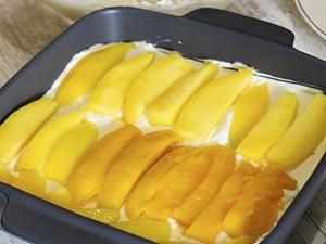 last layer with mangoes