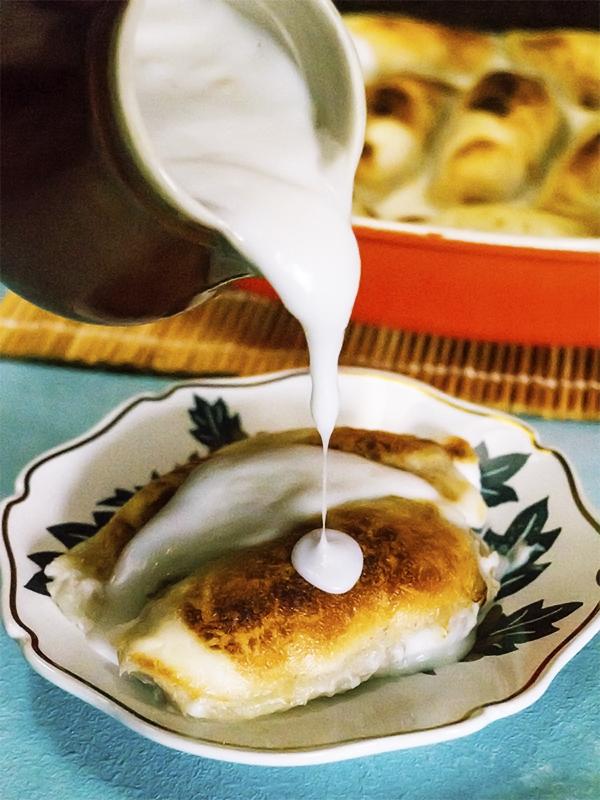 mochi balls with coconut milk sauce