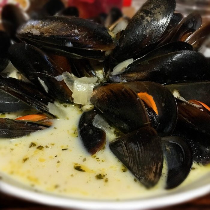 moules marinière with creamy sauce