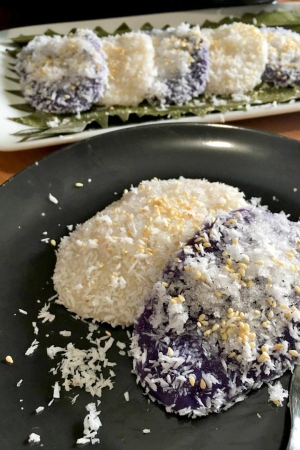 Palitaw / Dila Dila with shredded coconut, sugar and sesame seeds