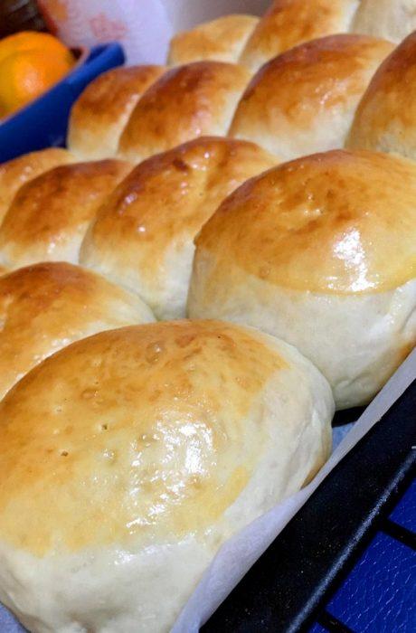 freshly baked pan de coco bread