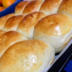 freshly baked Pan de Coco