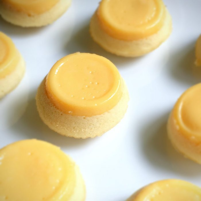puto flan lined up