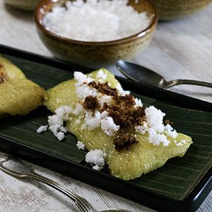 sticky rice on banana leaves
