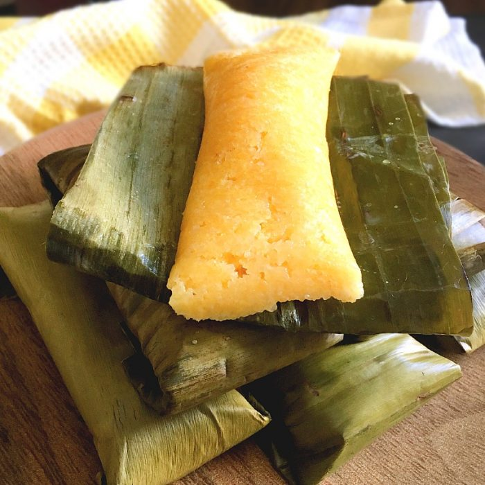 suman mais on banana leaves