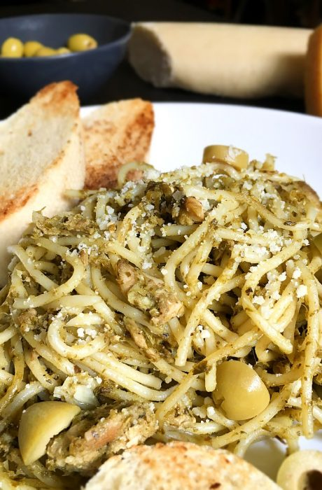 pesto pasta with tuna and olive