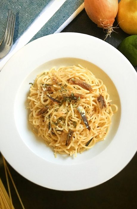 tuyo pasta served on a table
